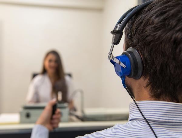 Hearing test with audiologist